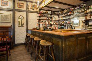 bar white horse tavern english style pub